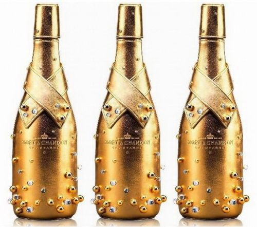 Moët & Chandon Midnight Gold Case with some hand sewn Swarovski crystals and gold beads that try to imitate champagne bubbles…