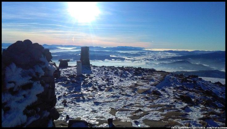na szczycie Babiej Gory - zima #Babia Góra #Diablak #Beskidy #Babiogórski-Park-Narodowy #BPN #góry #Poland #Polska #mountains panorama-na-Tatry-z-Babiej Góry #Zawoja #szlaki_górskie #turystyka