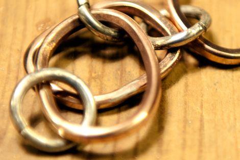 Kursus hos FOF. Lær at lave smykker - 36 lektioner (aften) 1395. Måske startes nye kurser i det nye år...