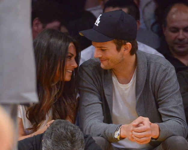 Ashton Kutcher smiling at Mila Kunis is pretty cute, right? | The Way These Celebrity Guys Look At Their Girls Will Make Your Ovaries Explode