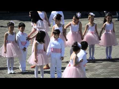 Sehit Cesur I O Muhtesem 1 Sinif 23 Nisan Gosterisi Youtube Bridesmaid Dresses Wedding Dresses Bridesmaid