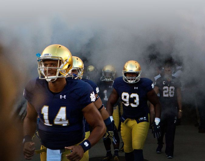 Notre Dame and Under Armour Seek Win-Win With Apparel Deal - NYTimes.com