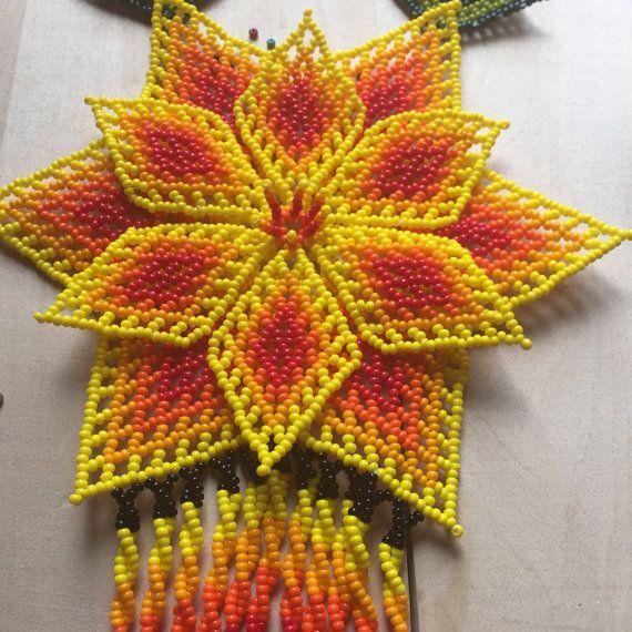 Divina amarillo TONANTZIN collar hecho a mano por ArtesaniaHUICHOL