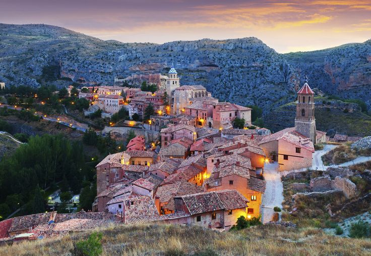 Holy shit. TAKE ME BACK TO SPAIN NOW AND NEVER MAKE ME LEAVE.  Albarracín, Aragon | 13 Beautiful Spanish Towns That Will Transport You Back In Time