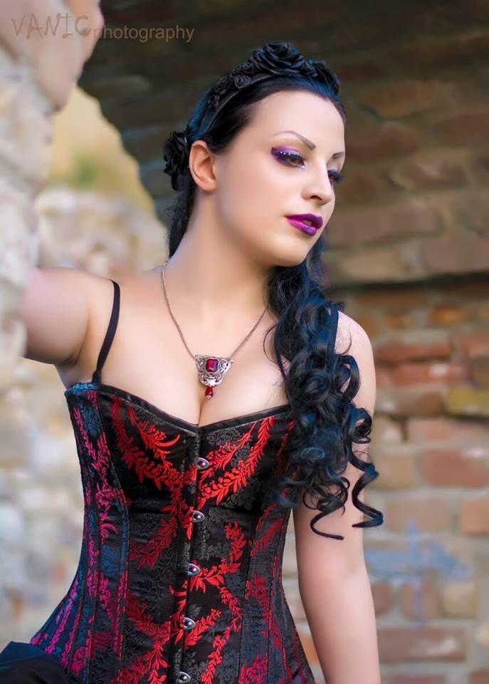 Photography: Vanic Photography  Model, MUA: Kali Noir Diamond  Corset: True Corset  Necklace: Noir Romantique