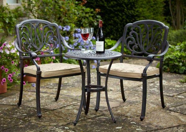 Le Salon De Jardin En Aluminium Est Une Solution Magnifique Pour L