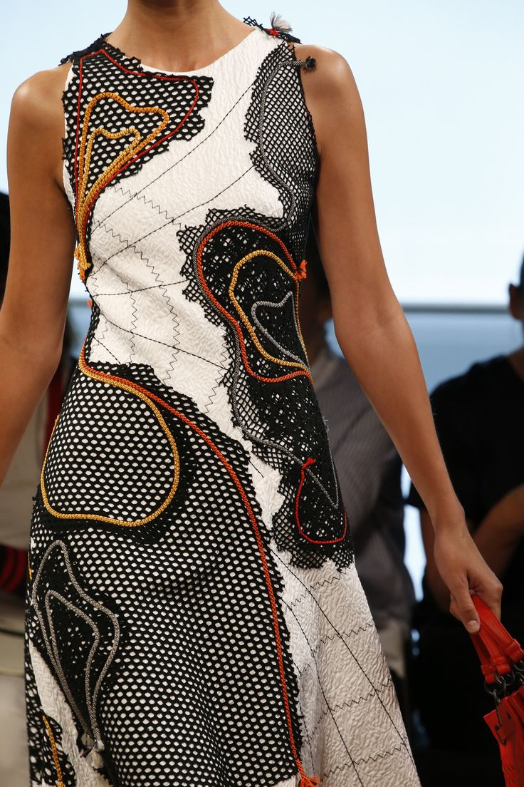 http://www.vogue.com/fashion-shows/spring-2016-ready-to-wear/bottega-veneta/slideshow/collection