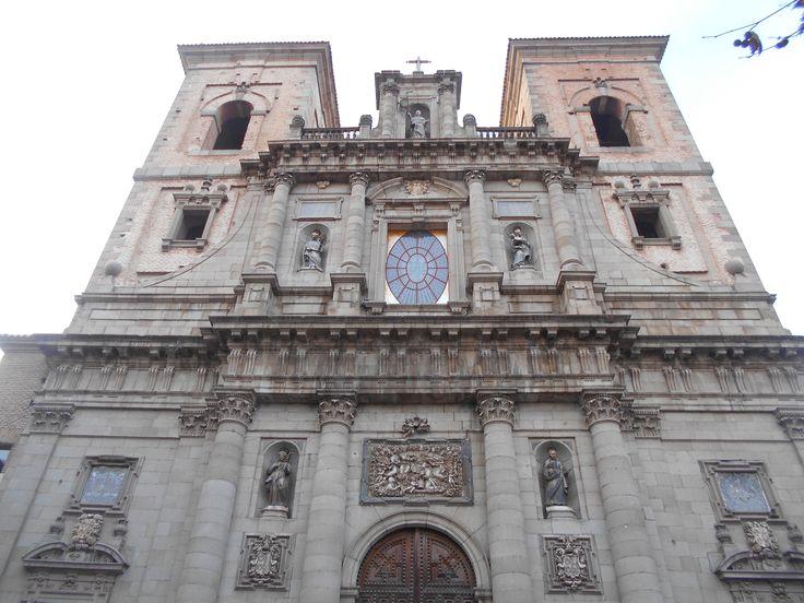 Iglesia de San Idelfonso ( Jesuitas ). Fachada y torres.