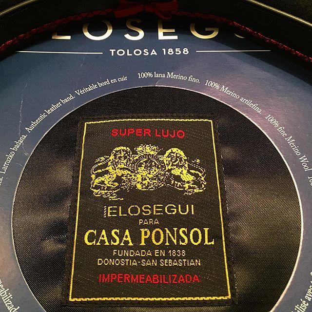 My first #beret  #boinaselosegui #casaponsol #hat  #elosegui #hats  #donostia #sansebastian #paysbasque #paisbasco #gipuzkoa