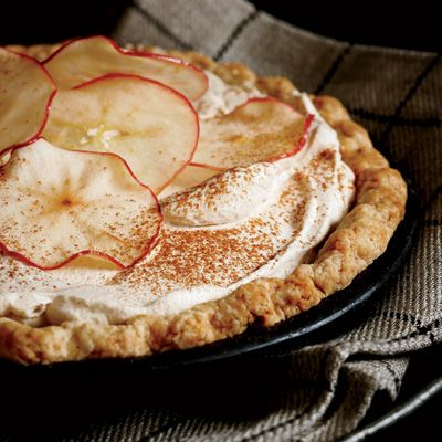 * * Apple Cider Cream Pie, had to repin this. Made it last night, one of my desserts I made for thanksgiving, it was easy and freakin awesome.