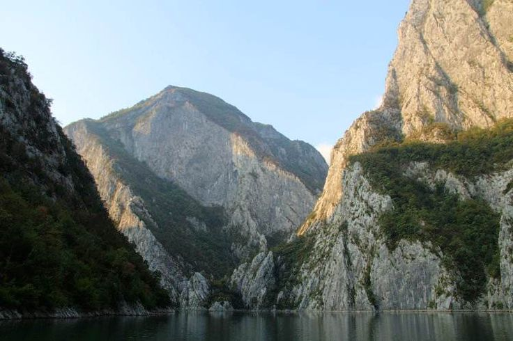 Limestone gorges on Lake Koman seen from the ferry. Image by Tom Masters / Lonely Planet