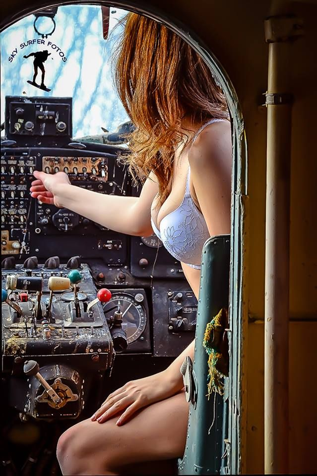 Aviation Pin Ups
