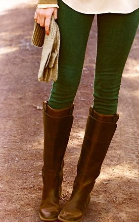 hunter green skinnies with brown boots // I need Riding boots!
