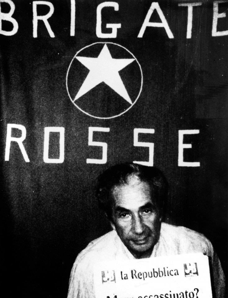 Nel periodo di detenzione Moro scrisse 86 lettere ai principali esponenti della Democrazia Cristiana, alla famiglia ed all'allora Papa Paolo VI