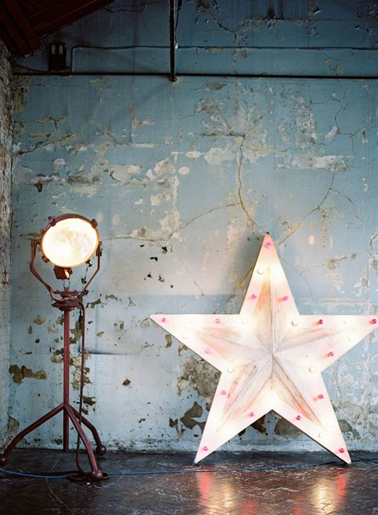 Industrial Vibes: the 2015 Decor Trend Everyone's Talking About on FESTIVAL BRIDES blog now!