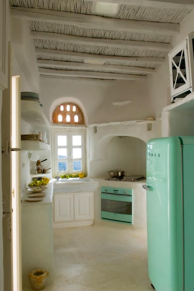 house in Greece - stunning use of color