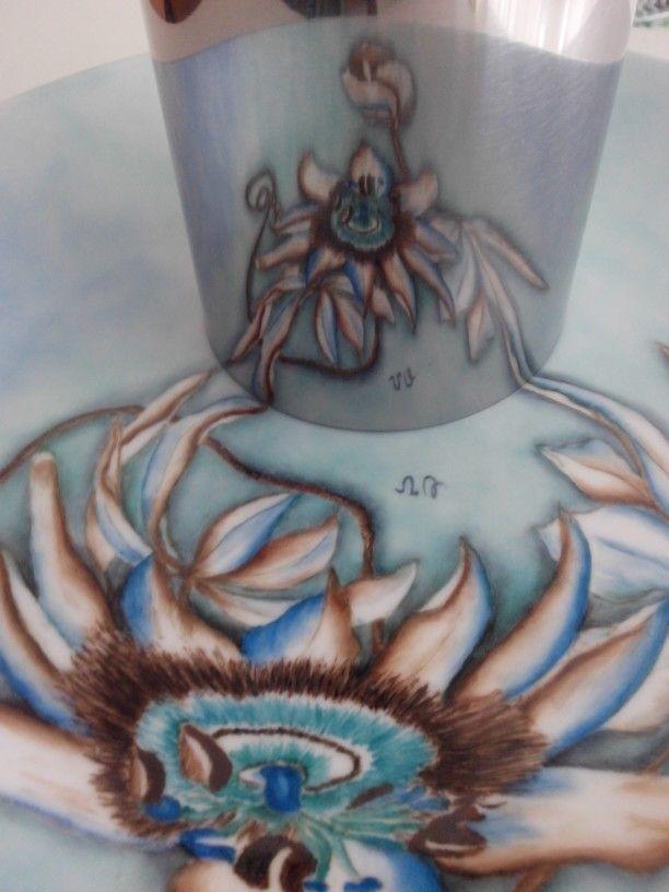 Anamorfosis sobre porcelana