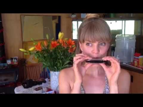Kim from lewin & reilly organic skin care plays her best rendition of jingle bells on her new toy for you all.