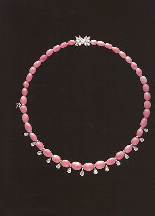 conch-pearl necklace