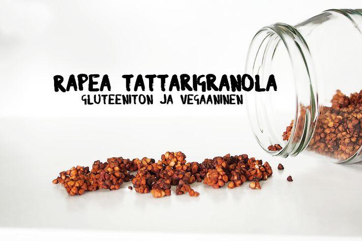 Kahden raaka-aineen rapeaan tattarigranolaan tarvitset vain banaaneja ja tattarisuurimoita.