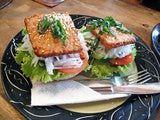 Con una textura similar a la proteína animal, el tempeh es excelente como reemplazo de carne y además en una sola porción tiene más proteína.