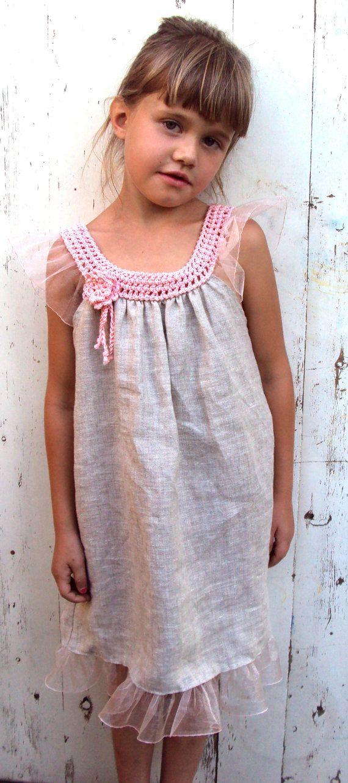 Verano bebé vestido lino orgánico vestido / vestido de hadas del bosque / yugo de ganchillo / crochet vestido / cumpleaños / prop o flores vestido de niña de la foto