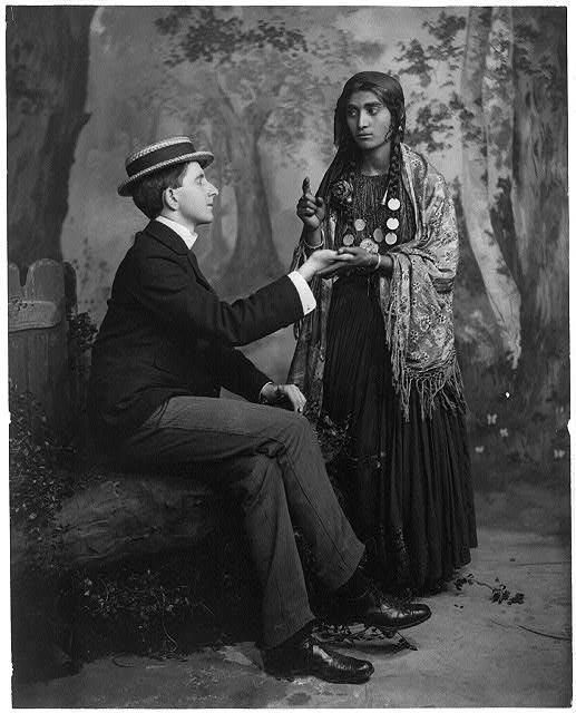 .: Fortune Teller, Vintage, Palmread, Fortune Telling, Gypsy Life, Gypsy Fortune, Palms Readers, Palm Reading, Palms Reading