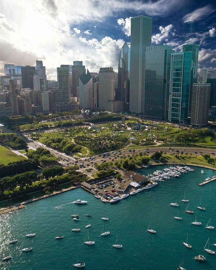 #SummerTimeChi is here! To celebrate, here's the official Chicago Bucket List Summer Edition:  1. Sail Lake Michigan (time it with free fireworks every Wed/Sat nights!)  2. Ride the Ferris Wheel at Navy Pier 3. Bike the 606 Trail 4. Catch a movie in the park 5. Spend a day at North Ave Beach/Castaways 6. Architectural River Boat Tour 7. Go rock climbing (or rollerblading!) at Maggie Daley Park 8. Watch the Cubs win at Wrigley Field 9. Picnic and concert at Ravinia 10. Kayak the Chicago River…
