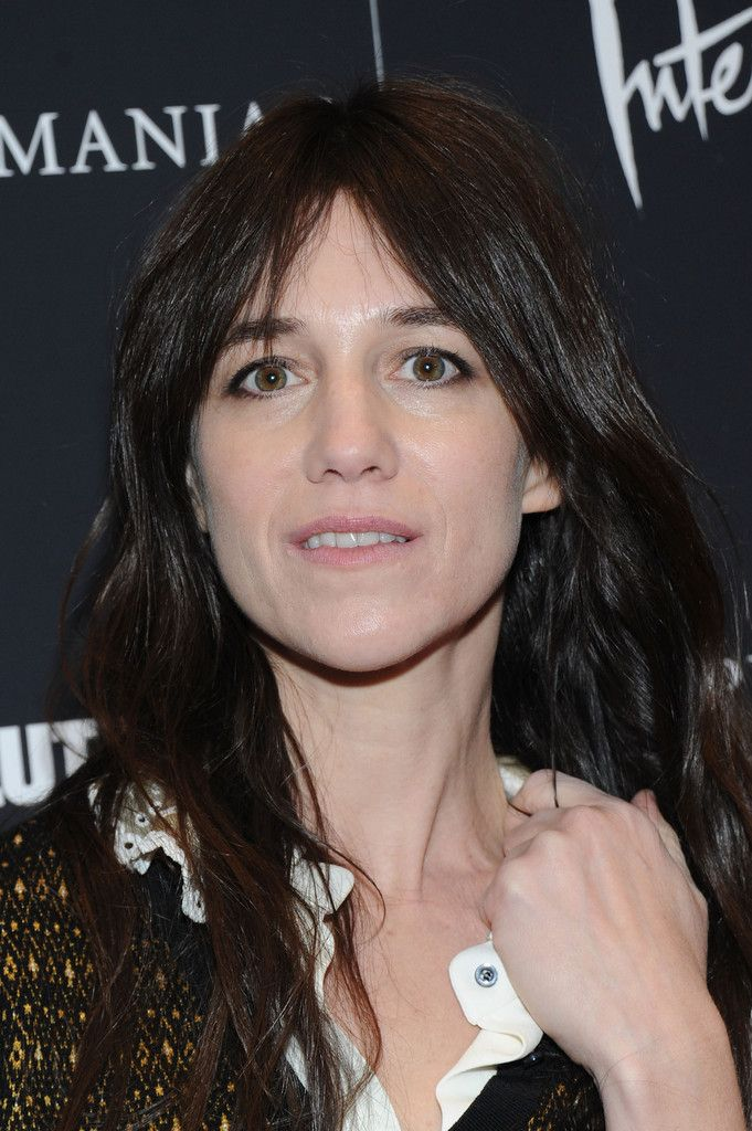 443 best images about charlotte gainsbourg on pinterest roland garros smoking and bangs. Black Bedroom Furniture Sets. Home Design Ideas