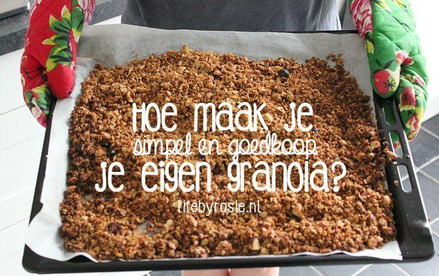 Nooit had ik gedacht dat het zelf maken van granola zo makkelijk was. Terwijl ik dit typ eet ik een bakje met yoghurt, banaan en 3 scheppen granola en het smaakt zo lekker. Daarnaast is het ook nog ee
