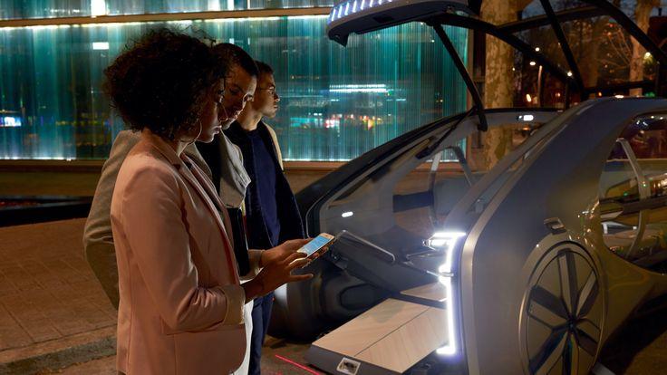 Renault presenta al Salone di Ginevra come ci muoveremo nelle città tra qualche anno. Vieni a leggere https://www.lavocedeibrand.com/a-ginevra-renault-presenta-ez-go-l-auto-robot-per-la-mobilita-condivisa/