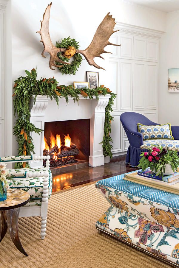Living Rooms Decorated In Blue And White: 17 Best Images About Christmas Decorating On Pinterest