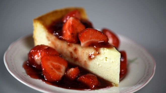 Strawberry cheesecake - Rudolph's Bakery | 24Kitchen