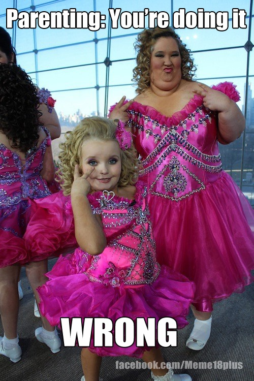 Oh God why...: Laughing, Honey Booboo, Honey Boo Boo, Honeybooboo, Funny, Children, Tiaras, Boo Child, Feathers Good
