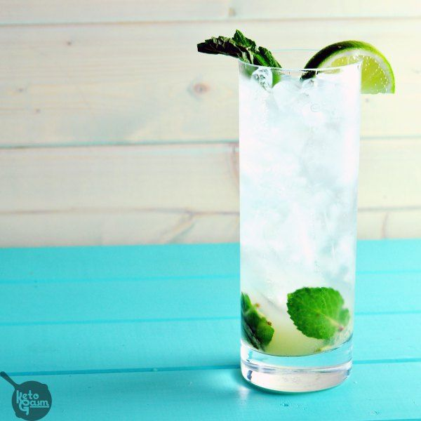 Sugar-Free Vodka Mojito | KETOGASM This drink tastes identical to the mojitos served at my favorite local happy hour spot... without all the sugar and carbs! This cocktail is perfect if you are searching for a drink that is low carb, sugar free, or just want to try something new. #cocktails #healthy #lowcarb #sugarfree #diet #keto #lchf #ketosis #atkins #drinks #booze
