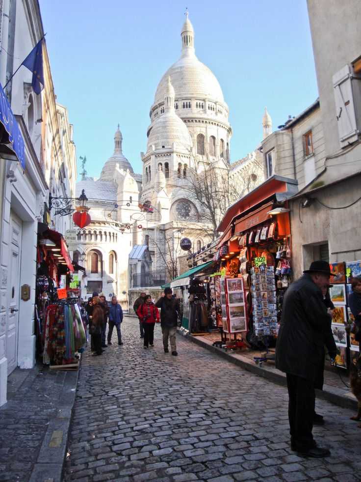 Paris Side Street.  Of all the places in Paris I kept being drawn back to Montmartre