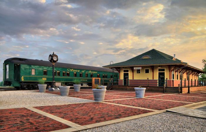 The Spirit of Jasper Is A Fun Wine Train Ride Across Indiana