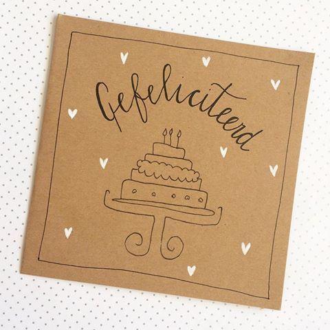 Bij ons bestel je alle dubbele kaarten voor €1,- per stuk! #lievigheidje #gefeliciteerd #happybirthday #birthday #verjaardag #feest #party #feestje #kaart #post #echtepostiszoveelleuker #hartjes #taart #cake #vanharte #vanhartegefeliciteerd #handmade #handgemaakt #blackandwhite #grijze #stip #kaarsjes #kraft #handletteringpractice #handlettering #lettering