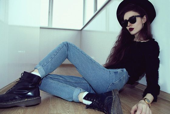 American Apparel Jeans, Dr. Martens Boots, Ray Ban Sunglasses, Casio Watch, Sweater