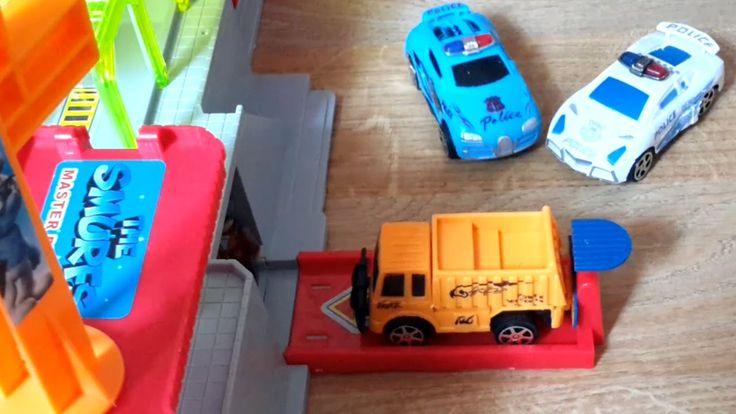 Видео про машины. Полицейские машины - спасаем день рождение Смурфеты