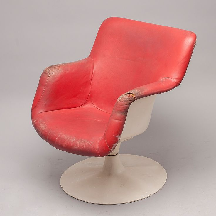 Yrjö Kukkapuro; Fiberglass and Leather 'Junior' Chair for Haimi, c1970.
