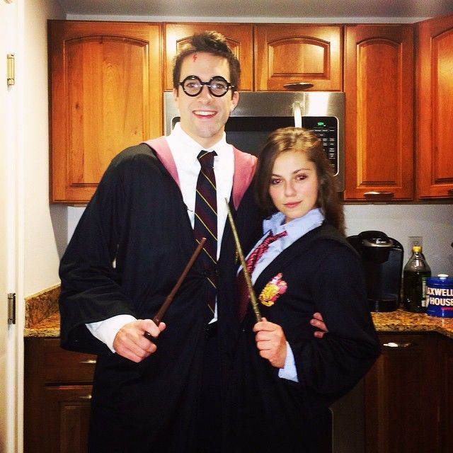 Pin for Later: 51 Flawlessly Adorable Harry Potter Couple Costume Ideas Harry Potter and Hermione Granger