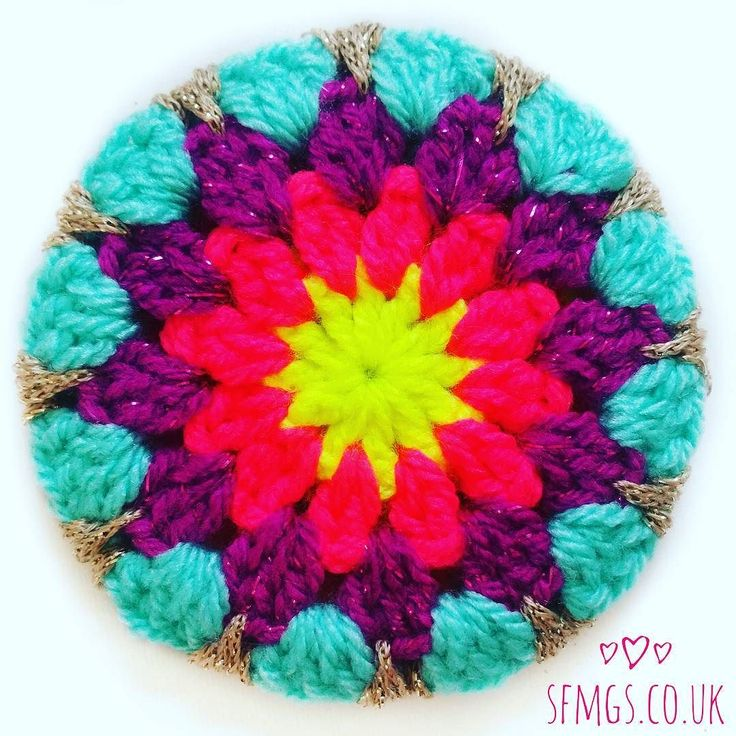 Good morning!  So I had a fun idea for our @hobbycraft_MKN @knitcrafthq #knitcraftsocial tomorrow...  Emma @pidgmaleon and I are having a little #crochet Christmas bauble workshop & I thought how AWESOME would it be if we extended that crochet party out into Insta?!  Sooo... later today I will posting the pattern for making your own baubles both here and on the blog. Whether you are coming along tomorrow between 11am - 3pm... would SOOO love to see you!! ...or even if you are too far away…