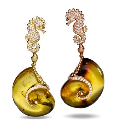 """Massimo Izzo from Siracusa Sicily creates """"treasures of the sea"""" from gold and precious gems.  Dream jewelry!: Jewelry Creatures, Jewelry, Jewellery Fair, Italian Style, Jewels, Jewelry Earrings"""