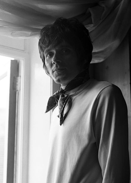 Billy Fury Allan Warren.Billy Fury (nacido como Ronald William Wycherley, Liverpool, 17 de abril de 1940 – Londres, 28 de enero de 1983), fue un cantante de rock y pop británico. Originariamente integrante del ambiente Mersey-Beat de Liverpool. Fue también compositor de sus propias canciones. Su carrera se desarrolló desde fines de los años 50 hasta la década de los 80.