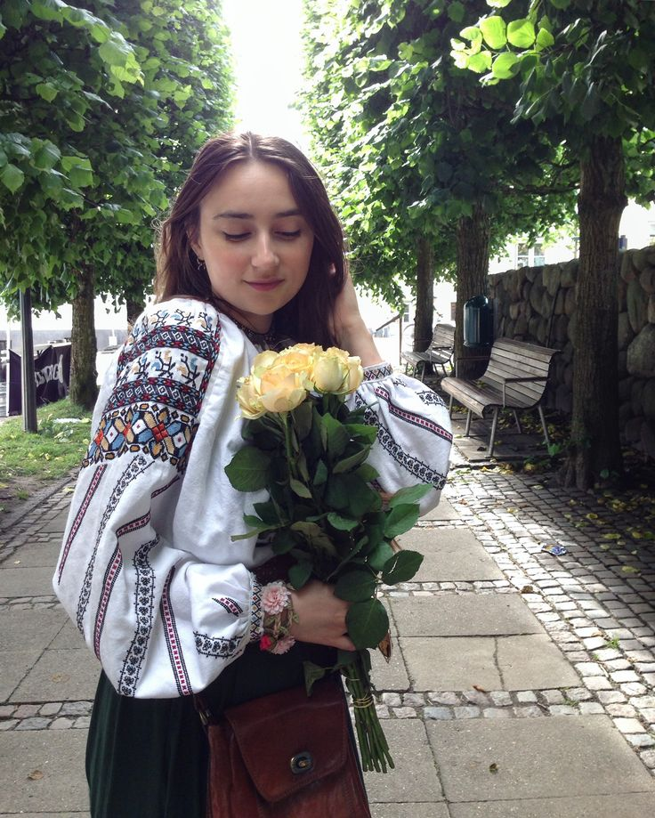 Simona Niculescu #lablouseroumaine