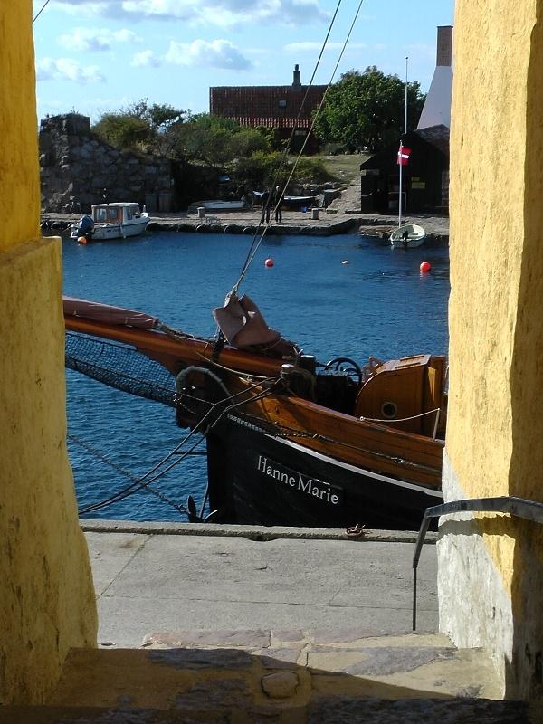 """""""Hanne Marie"""" im September 2012 im Hafen von Christiansö (Bornholm)"""