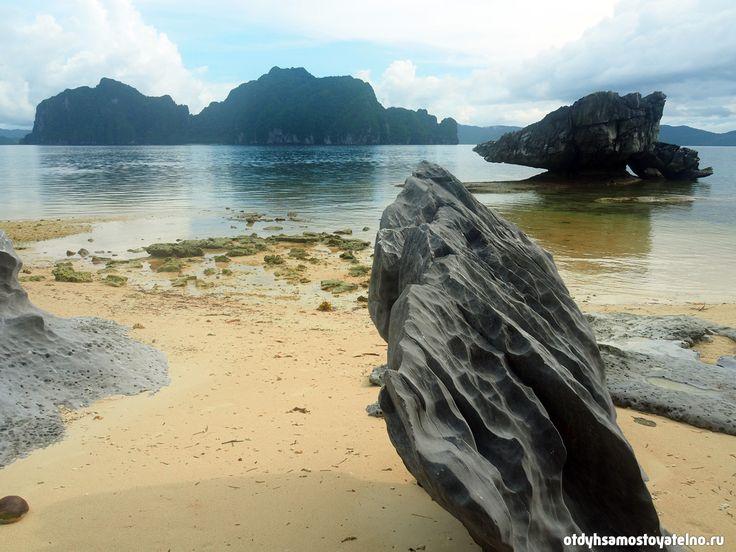 Красивый пляж со скалами. Эль Нидо, Филиппины