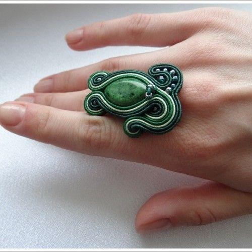 Zelený kruh vrkoč
