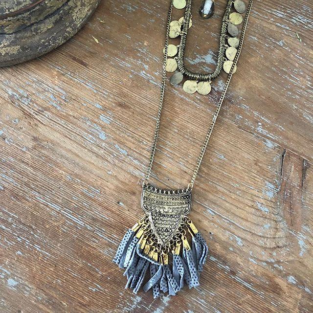 Prix de folie  Collier à shopper sur www.monstorefashion.com #bijou #bijoux #bijouxfantaisie #msflovesyou #fashion #fashionmood #fashionstyle #collier